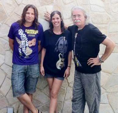 La familia Benavent y Oliver Sierra con Kusama